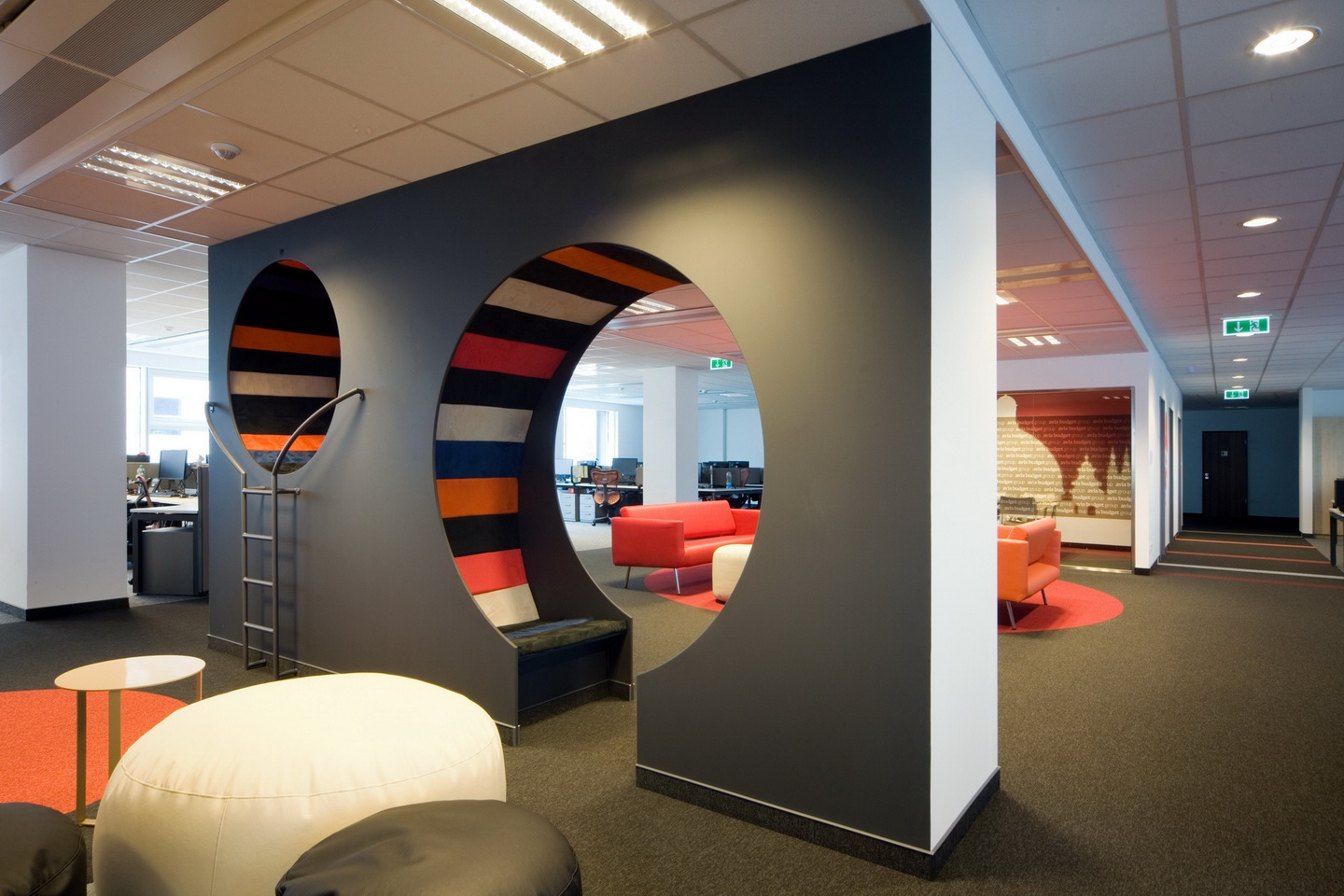 HermanMiller referencia | Avis Budget Group Business Support Centre Kft.